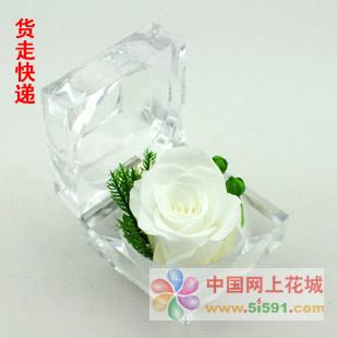 鲜花礼品-戒指盒保鲜花-白玫瑰