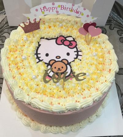 巧克力水果蛋糕-小Katie猫