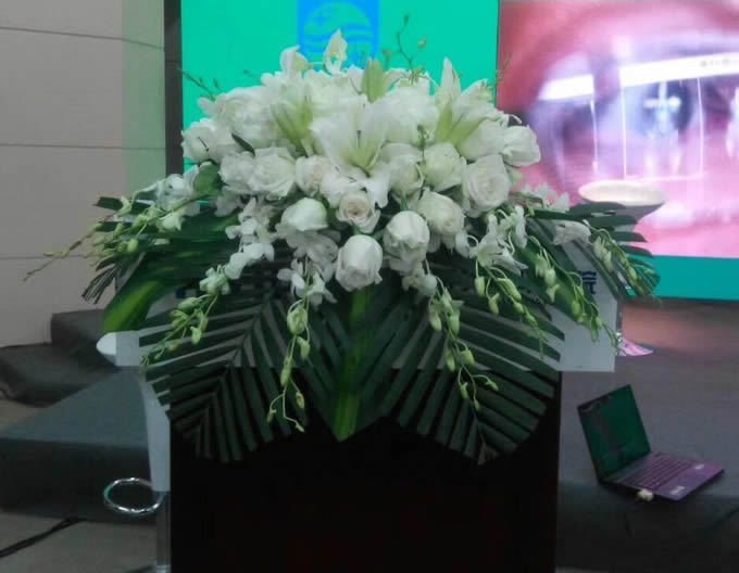 鲜花礼品-讲台花3