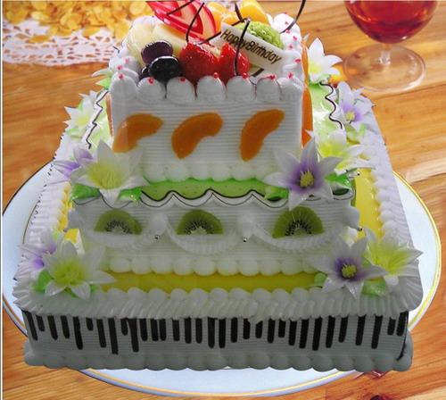 方形3层鲜奶水果蛋糕