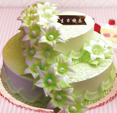 菏泽生日蛋糕:多层蛋糕