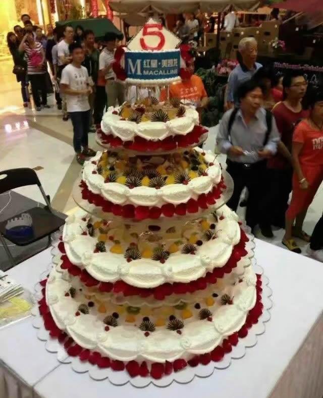 5层庆典蛋糕